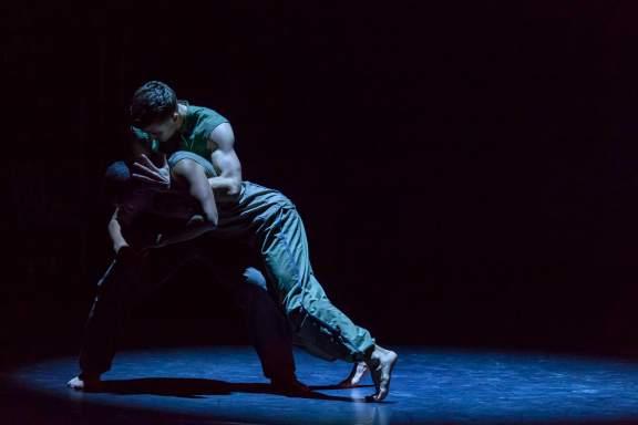 Balletboyz - The Talent 2013 in Fallen (ch: Maliphant) © Panayiotis Sinnos