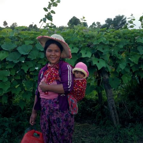 burmese-woman-baby