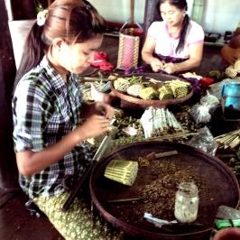 Women making cigars in rural Shan State, Burma (Myanmar), August 2015 © Cas Sutherland