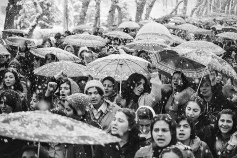 Iranian-women-snow1